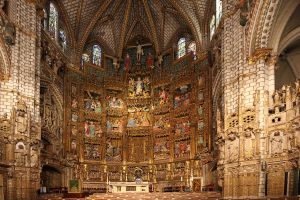 1280px-Catedral_de_Toledo.Altar_Mayor_(huge)