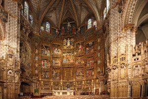 1280px-Catedral_de_Toledo.Altar_Mayor_(huge)